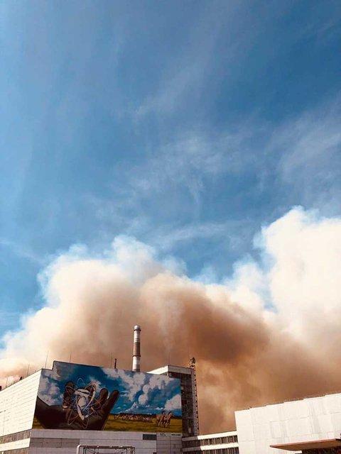 Пожар в Зоне отчуждения вплотную приблизился к ЧАЭС (ФОТО+ВИДЕО) - фото 198631