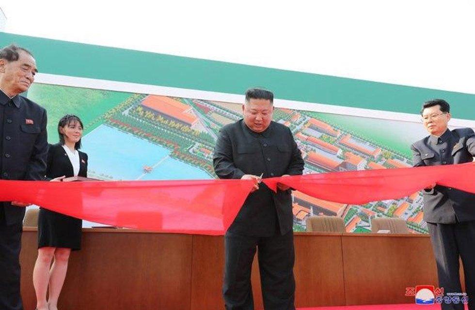 Ким Чен Ын вернулся в мир живых – яркие ФОТО - фото 199486