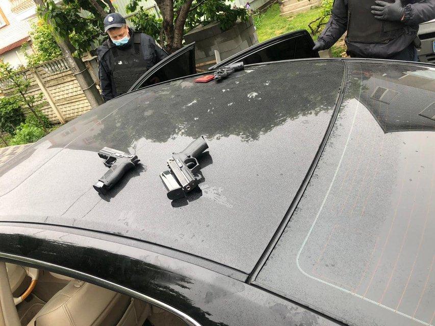 В Броварах нелегальные перевозчики устроили масштабную перестрелку (ВИДЕО 18+) - фото 200741