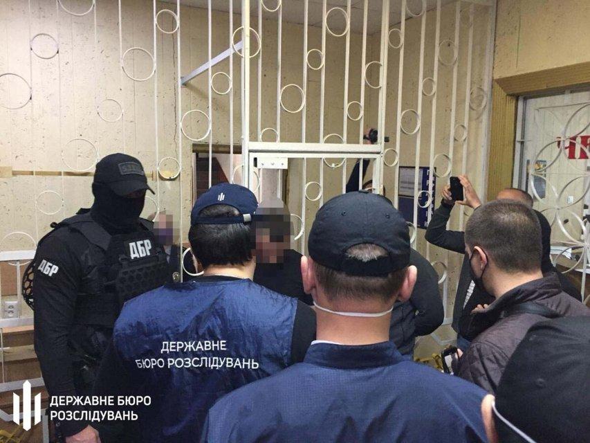 ГБР задержала целую банду из копов, которую возглавляли два начальника (ФОТО) - фото 201073