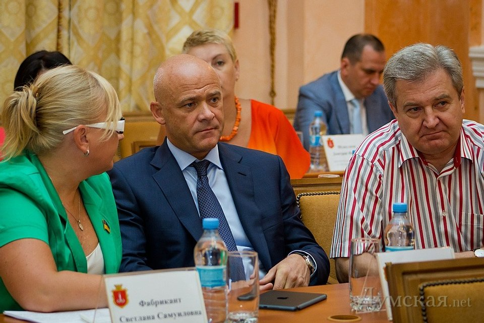 В чем сила, брат: Мэр Одессы Труханов теряет почву под ногами - фото 201404