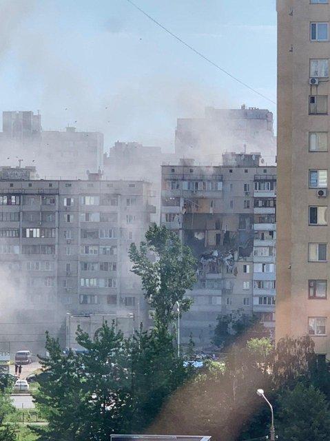 В Киеве произошел масштабный взрыв в десятиэтажном доме (ФОТО+ВИДЕО) - фото 201717