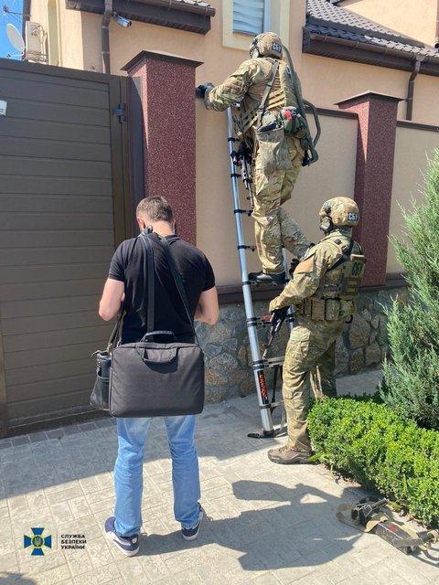 Губернатора Кировоградской области задержали на вымогательстве 1,8 миллиона (ФОТО) - фото 201962