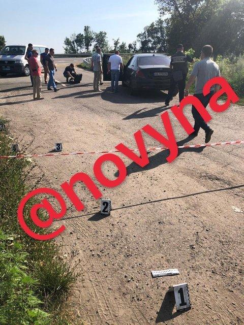 На трассе Киев-Харьков расстреляли машину, есть убитый (ФОТО) - фото 203351