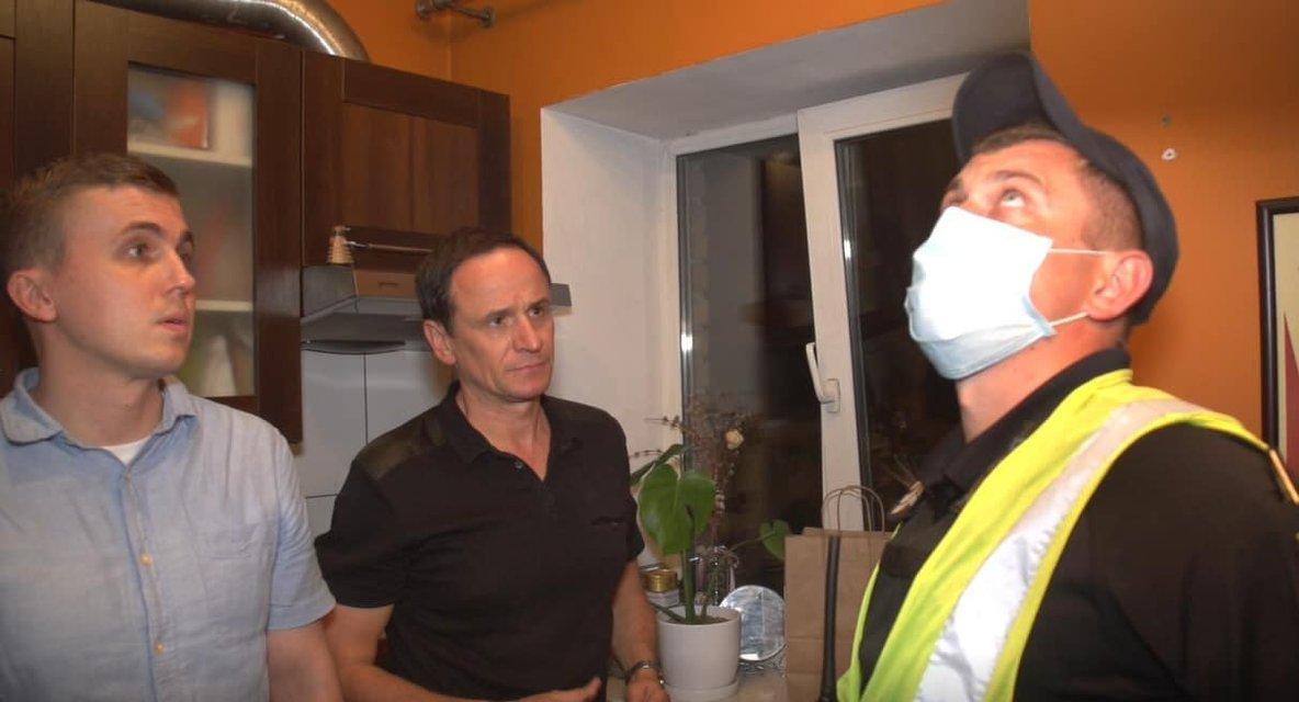 Журналист 'Схем' заявил о прослушке в своем доме – ФОТО - фото 203736