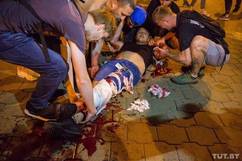 Протесты в Беларуси, день второй: Как это было – ФОТО, ВИДЕО - фото 203832