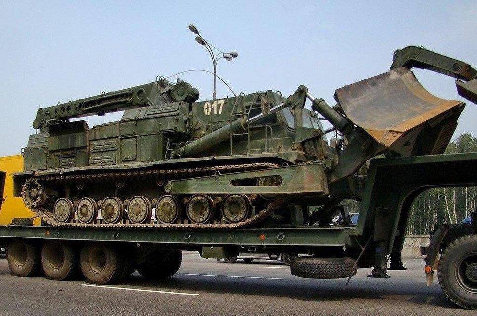 В Минск стянули военных и технику для прорыва баррикад, протесты продолжаются (ФОТО) - фото 203911