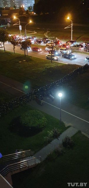 Протесты в Беларуси, день третий: Хроника событий - ФОТО, ВИДЕО - фото 203917