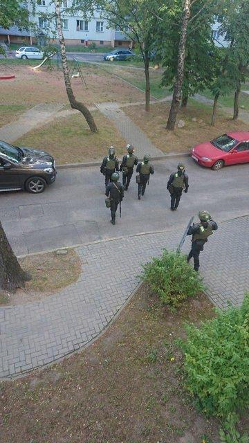 Протесты в Беларуси, день третий: Хроника событий - ФОТО, ВИДЕО - фото 203919
