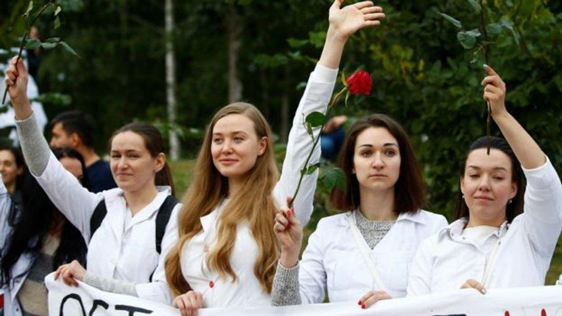 Протесты в Беларуси, день четвертый: Кратко о главном – ФОТО, ВИДЕО - фото 203969
