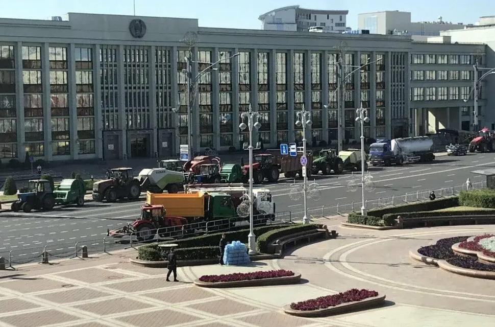 Лукашенко собирает антимайдан (ФОТО + ВИДЕО) - фото 204097