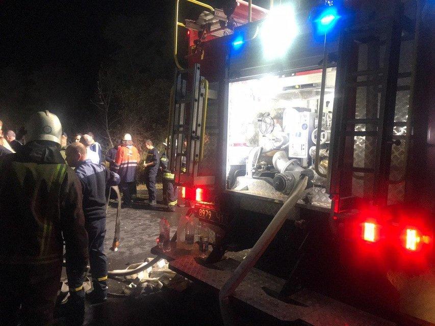 Гибель Ан-26: Спасатели продолжают поиски погибших - фото 205945