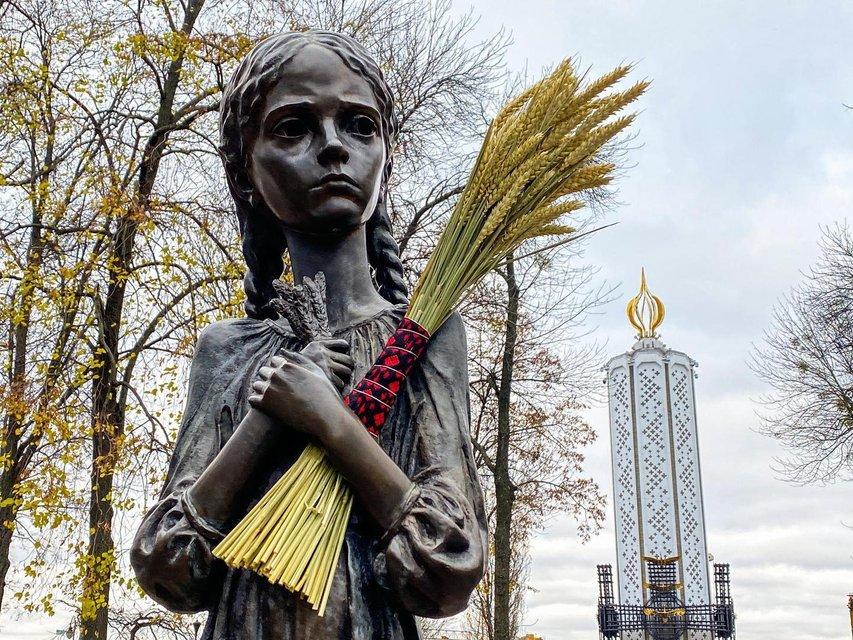 Геноцид в обмен на Рейх: Что общего между Голодомором и Северным потоком - фото 206463
