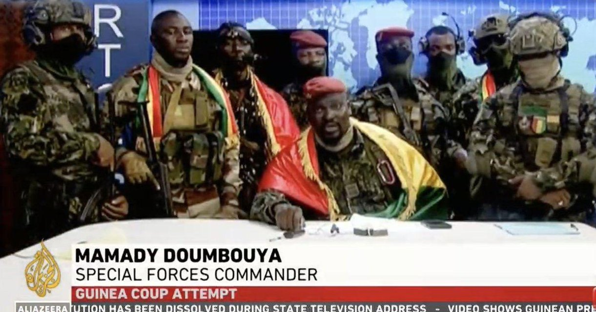 У Гвінеї відбувається воєнний переворот - фото 209032