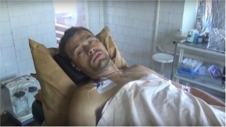 Один из членов ДРГ боевиков сейчас находится в больнице. - фото 1