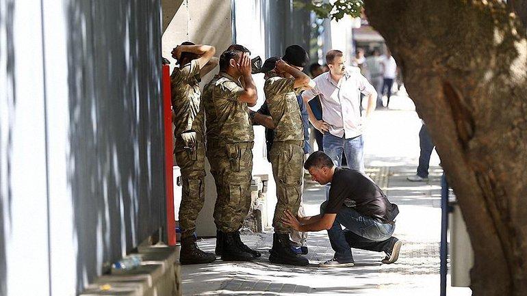 Начатая Генштабом ВС Турции операция по задержанию путчистов завершена - фото 1