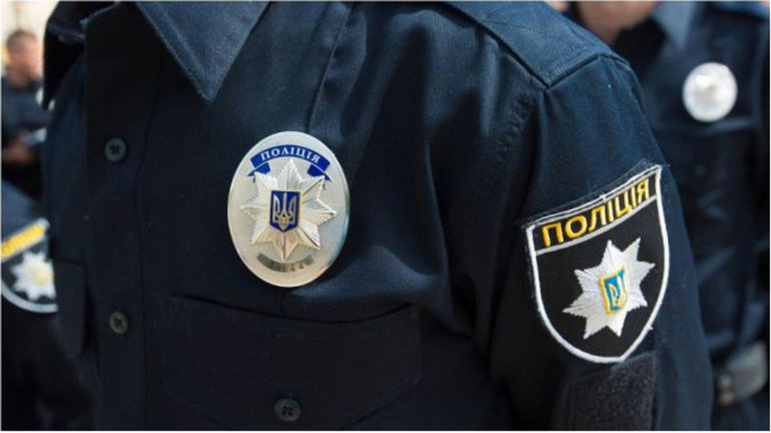 Правоохранители работают над задержанием устроивших перестрелку в Киеве. - фото 1