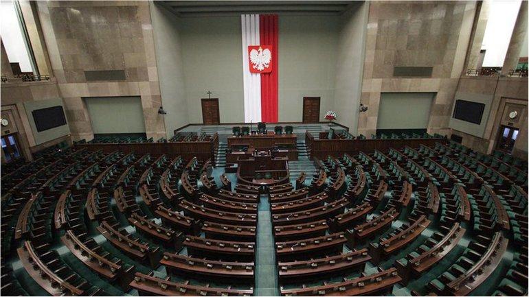 Решение польских парламентариев может создать новій очаг напряжения с Киевом - фото 1