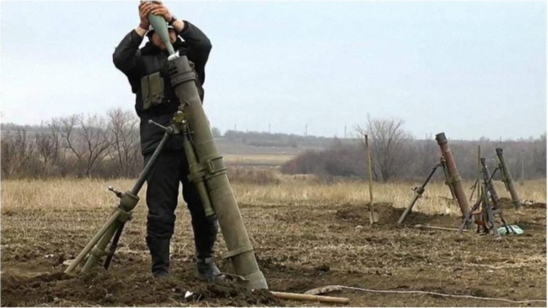 """Террористы """"ДНР"""" начали обстрелы позиций сил АТО. - фото 1"""