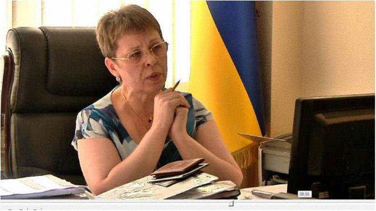 Судья Алина Гуменюк решила, что коррупционер должен и дальше работать на своей должности. - фото 1