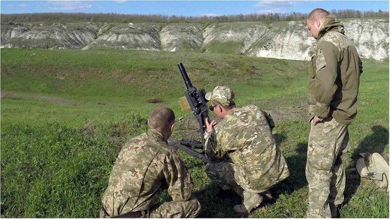Украинские военные дали отпор боевикам - фото 1