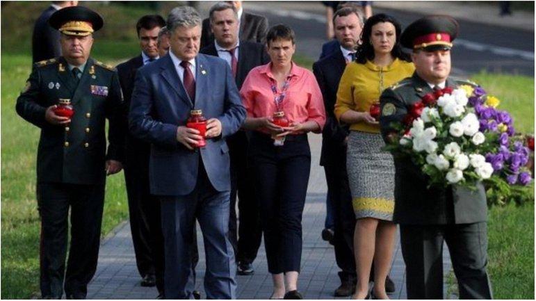 Украинская делегация пришла почтить память погибших в Волынской трагедии. - фото 1