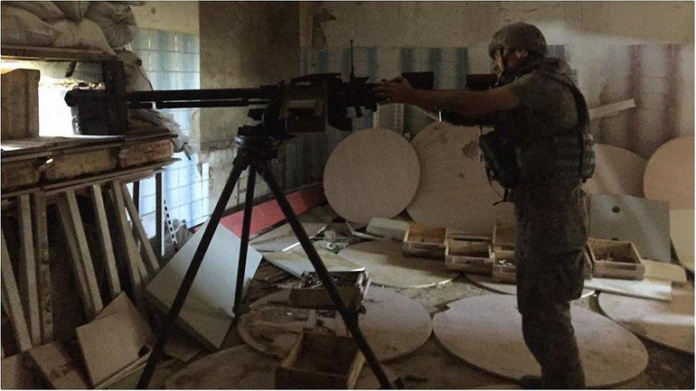В штабе АТО хотят лишить журналистов аккдеритации из-за их халатной работы на передовой. - фото 1