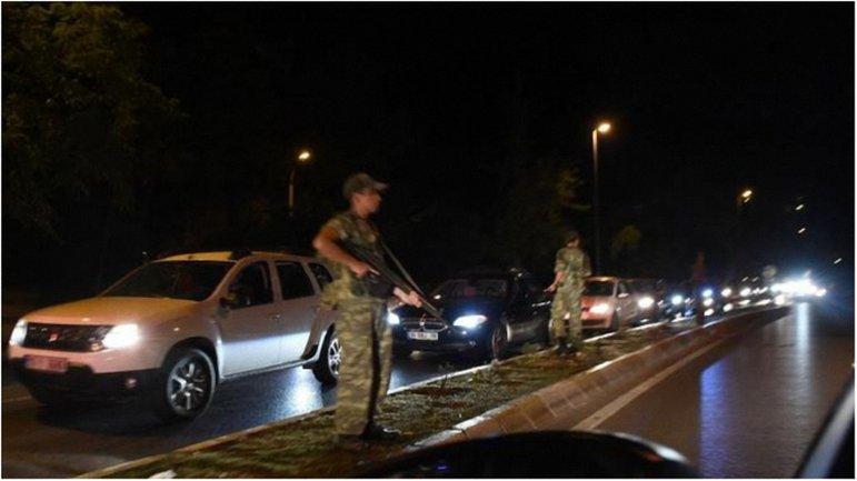 Турецкие мятежники провалили попытку вооруженного переворота. - фото 1