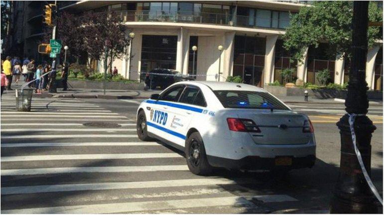 Спецназ задержал нарушителя, который подкинул поддельную бомбу в авто полицейским. - фото 1