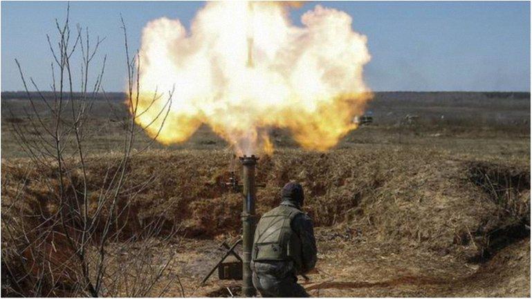 Боевики вновь использовали запрещенную минскими договоренностями артиллерию. - фото 1