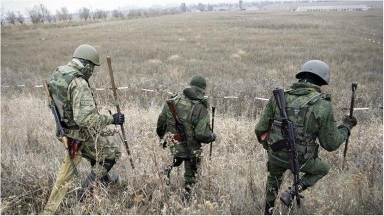 Бойцы ВСУ под Марьинкой попали в засаду. - фото 1