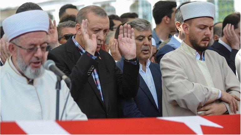 Эрдоган успел покинуть город до того, как его схватили - фото 1