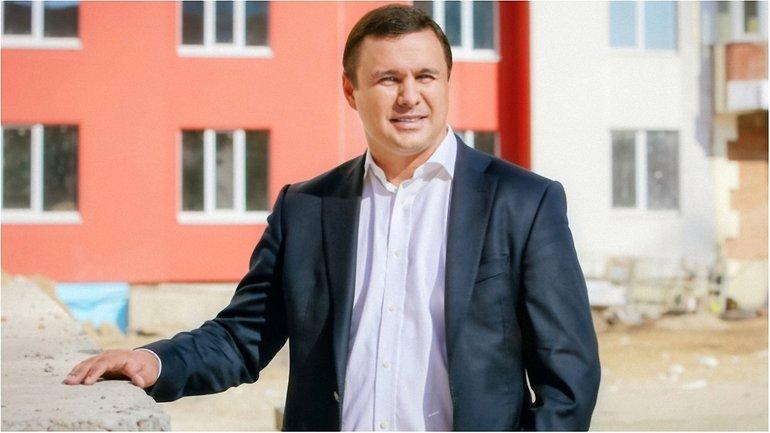 Скандальный застройщик Максим Микитась проходит в Раду - фото 1