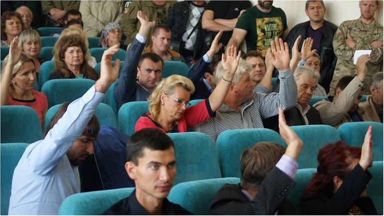 Депутаты горсовета проголосовали за запрет крестного хода в Борисполе. - фото 1