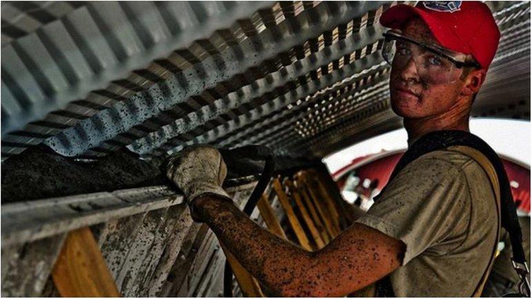 Украинцы надеются, что профсоюз защитит их от работодателей-обманщиков и посредников. - фото 1