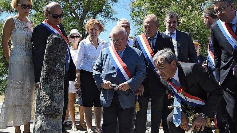 Французские депутаты в прошлом году уже посещали Крым. - фото 1
