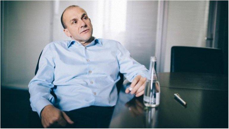 Российский бизнесмен получил украинские документы. - фото 1