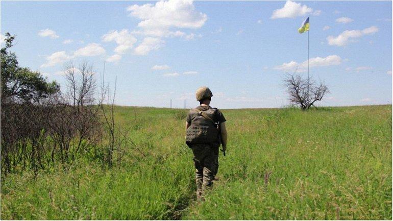 Четырнадцать военных - получили ранения. - фото 1