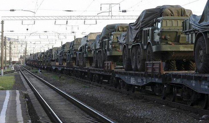 Россия продолжает перекидывать в Донбасс военную технику - фото 1