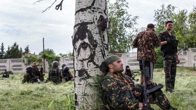 Боевики в полной боевой готовности - фото 1