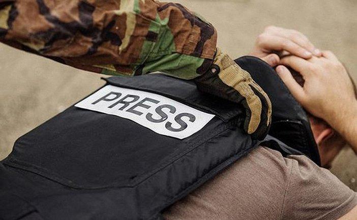"""Боевики """"ДНР"""" вербовали журналистов, получавших у них аккредитацию - фото 1"""