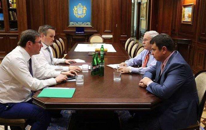 Юрий Луценко встретился с главами САП и НАБУ - фото 1
