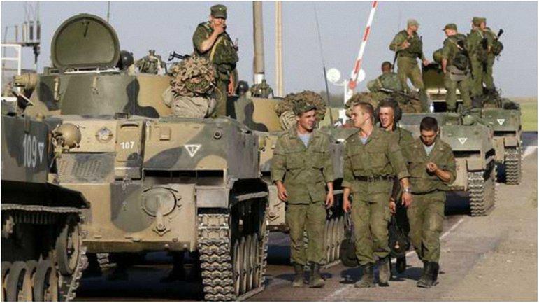 Российские военные готовят массовые провокации ко Дню Независимости - фото 1