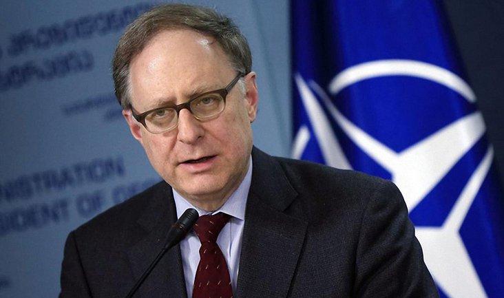 """Заместитель генсека НАТО напомнил о том, что НАТО не проводило внеплановых """"проверок"""" со времен """"холодной войны"""" - фото 1"""
