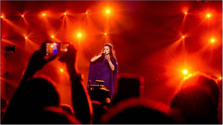 Победительница Евровидения в Швеции Джамала - фото 1