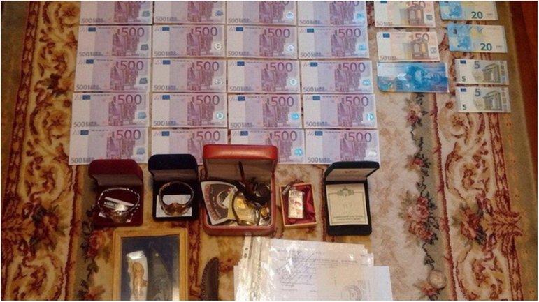 СБУ: в Киеве ассоциация автоперевозчиков присвоила более 100 млн грн членских взносов - фото 1