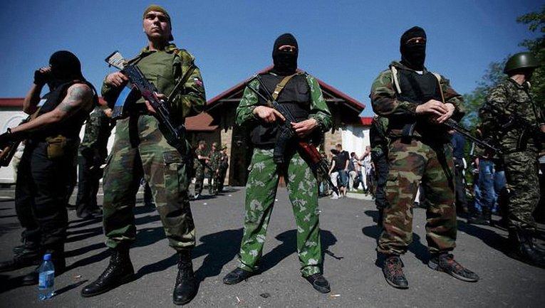 Боевикам запретили приходить в детские больницы с оружием - фото 1