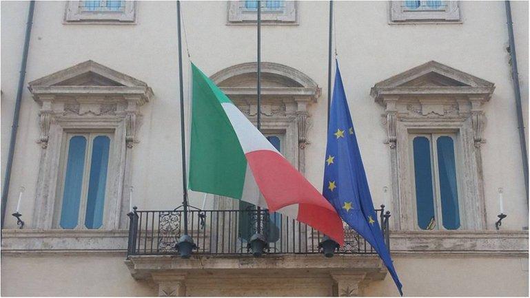 В Италии объявлен траур - фото 1