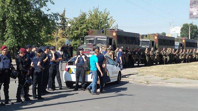 Полиция задержала нескольких бойцов добробатов, участвовавших в беспорядках на прошлых заседаниях суда - фото 1