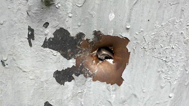 Осколки 152мм снарядов повредили здание Углегорской ТЭС - фото 1